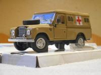 "LAND ROVER 109 Series III ""MILITARY AMBULANCE"", 1/43; Cararama"