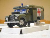 "LAND ROVER 109 Series III ""RAF AMBULANCE"", 1/43; Cararama"