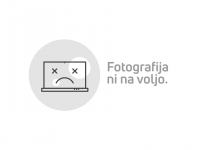 JEANS OBLEKICA HM MINNIE IN HELLO KITTY 110/116