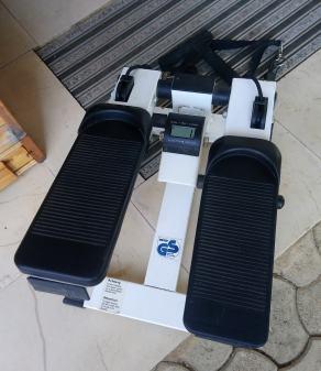 Steper z elastikami za vadbo nog ter rok z LCD ekranom, prodam