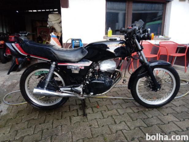 Honda , Naked Bike, 1983, 3500 km, starodobnik, 1983 l.