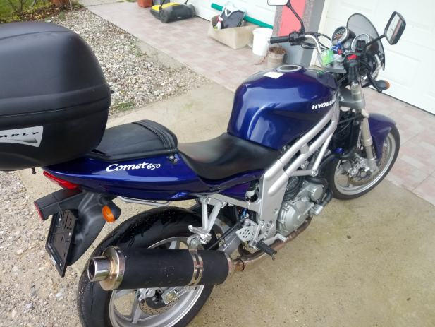 2004 Hyosung GT 650 Comet - Moto.ZombDrive.COM