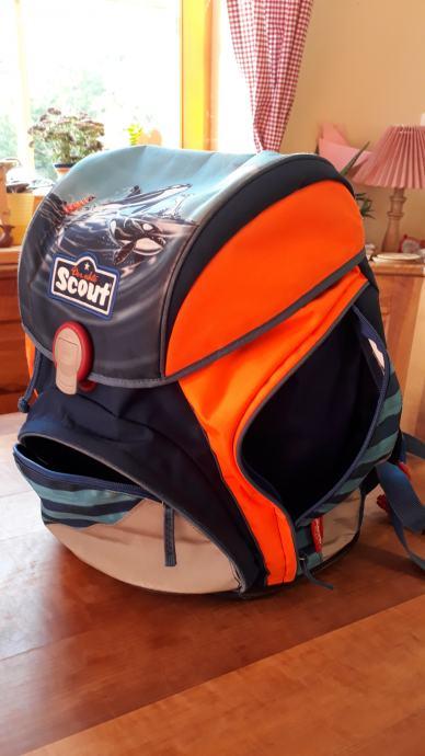 šolska torba Der echte Scout, 1. triada + darilo